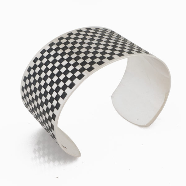 silver cuff square pattern oxidised lateral