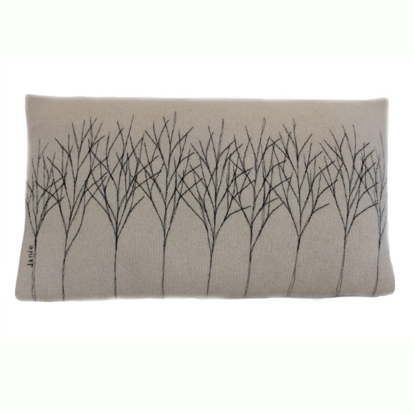 Treeline cushion 30 x 50 silver front