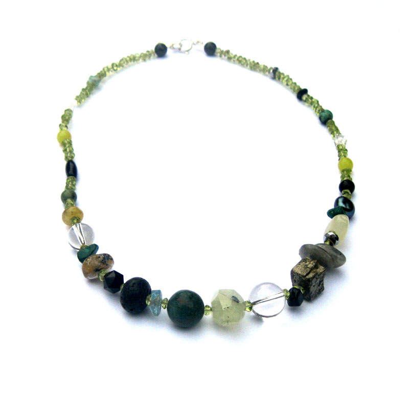 bohemia-pebble-necklace-18-vert-noir-bree-jewellery