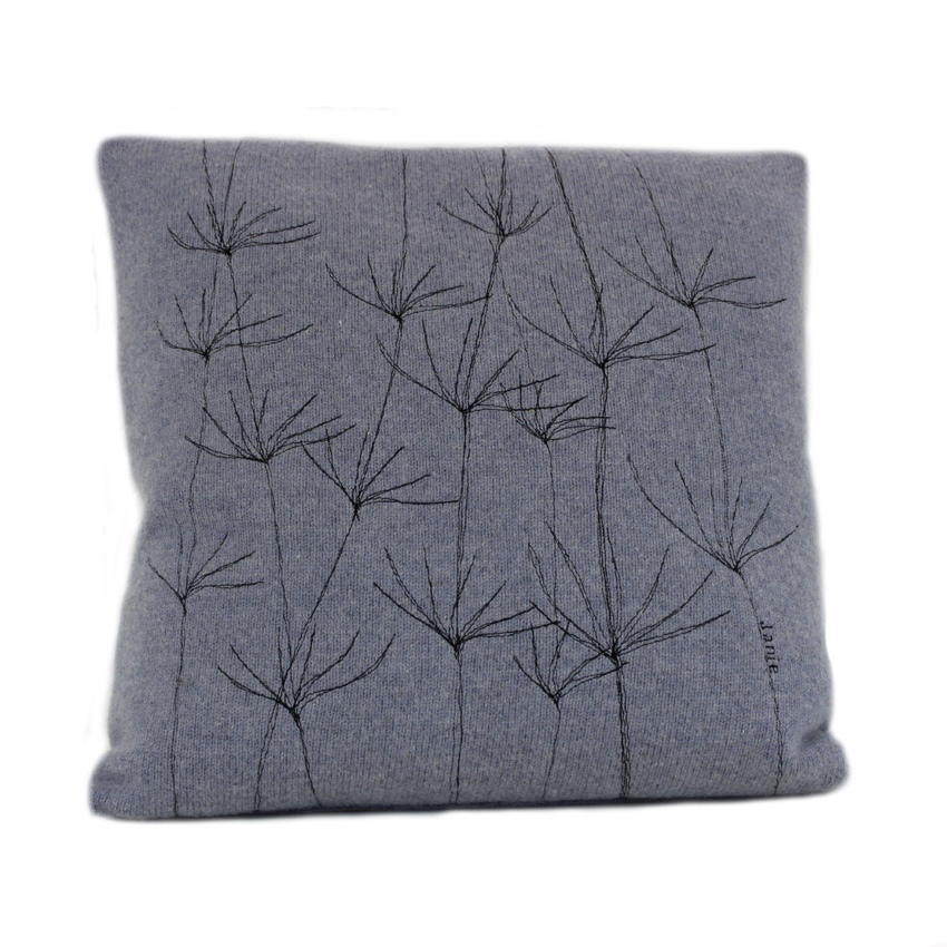 wildflower cushion 40 cms Smoke front