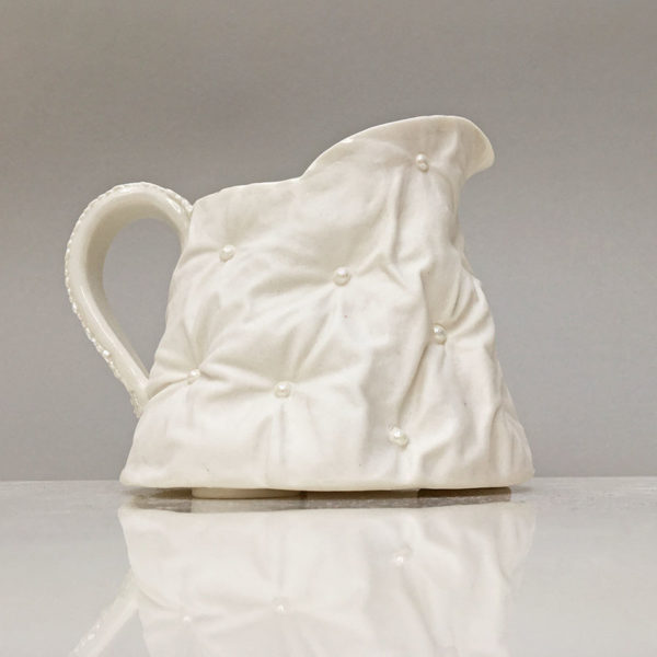 Medium padding jug