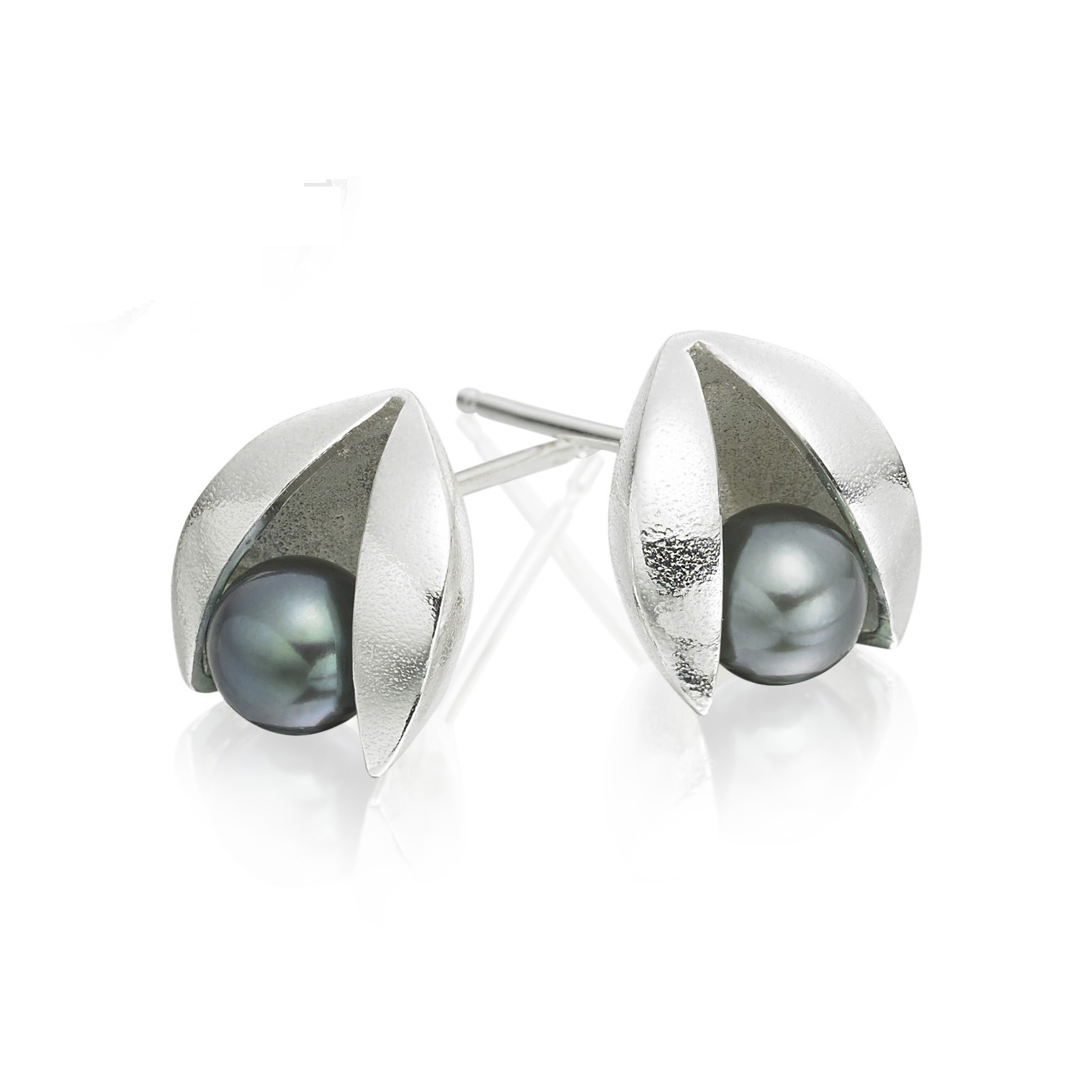 Peacocok blue pearl tension earrings
