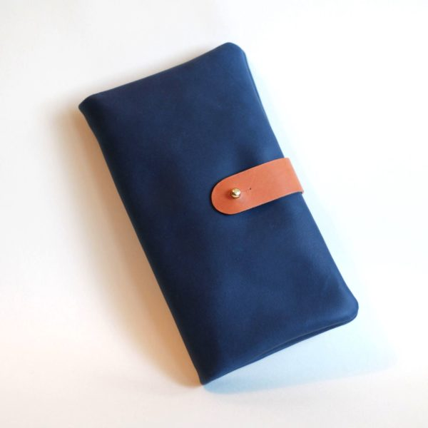 Blue wrap purse angle