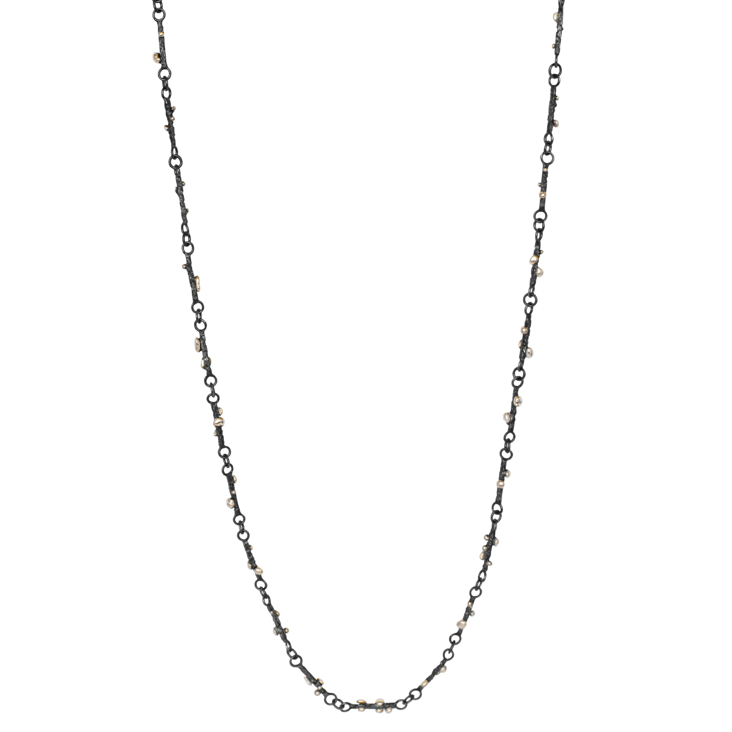 delicate-and-dainty-white-gold-necklace