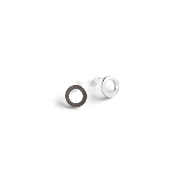 Urban Chic - Nought Stud Earrings - sterling silver