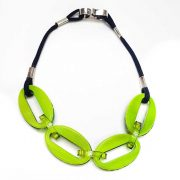 green-lime-madder-oval-chain-4-piece-back-Sue-Gregor