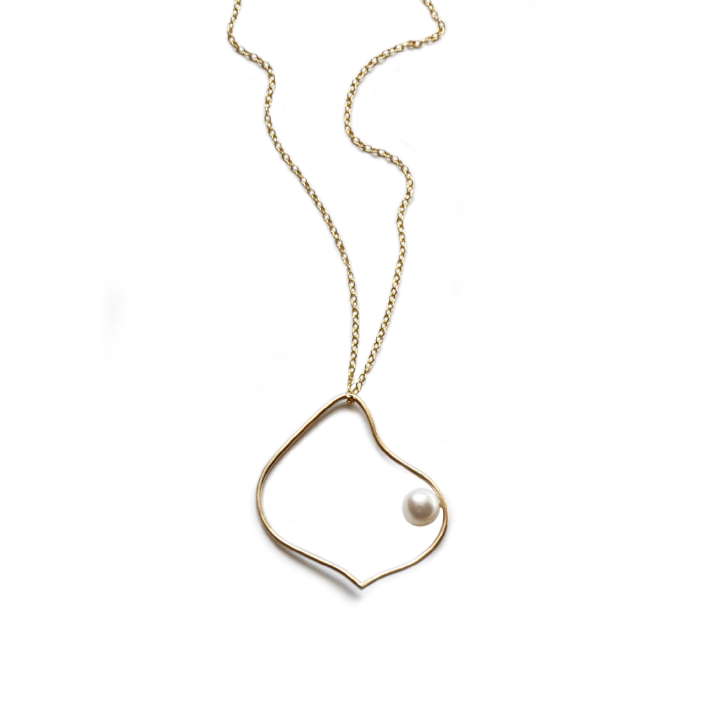 Silhouette gold necklace white pearl