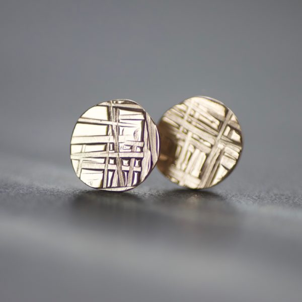 Criss Cross Solid Gold Disc Stud Earrings