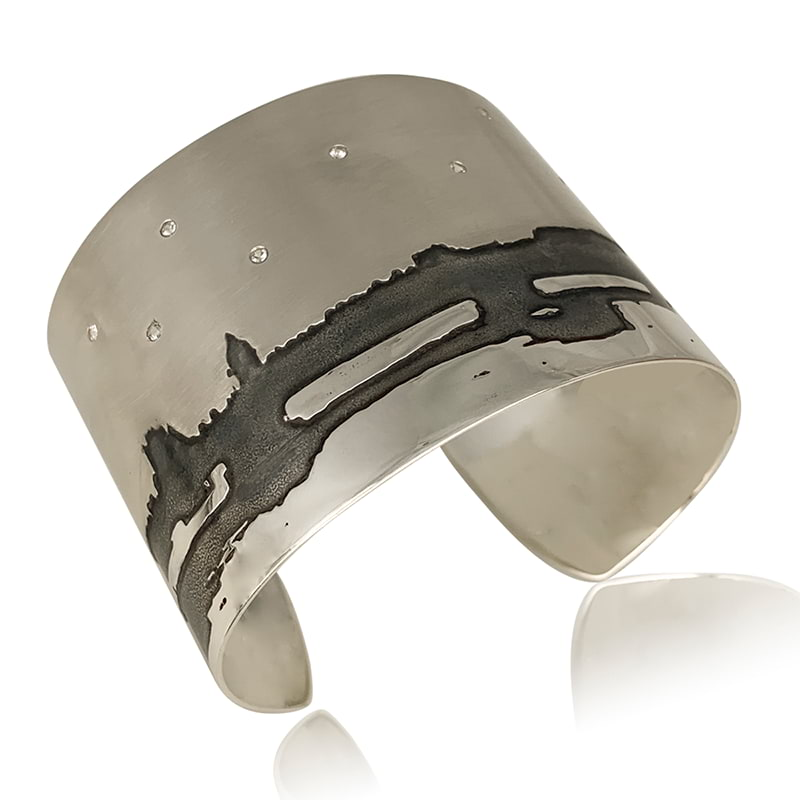 Wide silver cuff with Westminster bridge image etched
