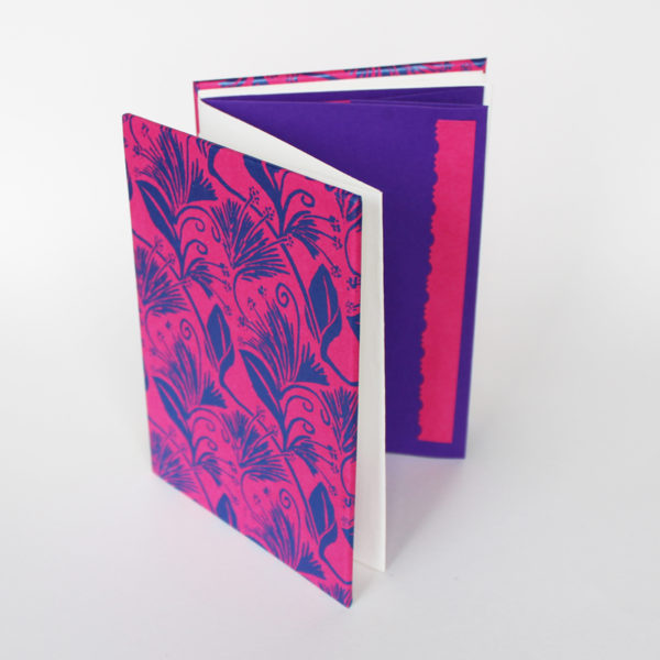 Concertina book with pockets
