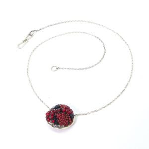 jewellery - red beaded pendent necklace